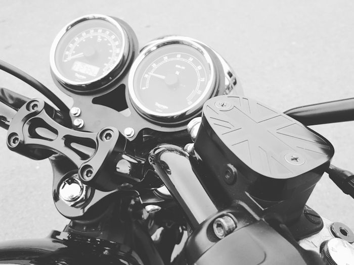 Motone Lay Flat Gauge Bracket VDO Triumph Bonneville, Scrambler and Thruxton